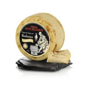 Avių pieno sūris su baravykais, 200g